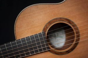Terz gitaar, Walnut-Port Orford Red Cedar